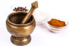 Almofariz de cobre para especiarias Foto de Stock Royalty Free