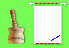 Almofariz e pilão à mão de madeira Fotos de Stock Royalty Free