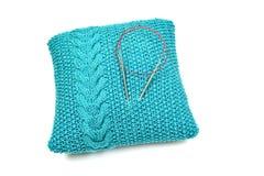 Almohada azul hecha punto Imagen de archivo libre de regalías