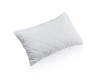 Almohada con la caja protectora blanca de la almohada del ácaro Imagenes de archivo