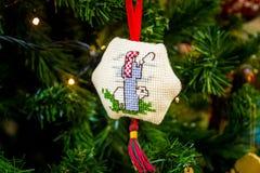 Almohada decorativa de la Navidad pequeña Fotografía de archivo libre de regalías