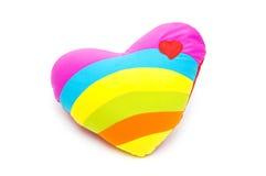Almohada del corazón en el fondo blanco Imágenes de archivo libres de regalías
