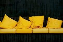 almohadas amarillas Imagen de archivo libre de regalías