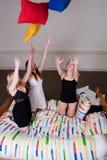 Almohadilla que lanza en nuestro partido del pijama Fotografía de archivo libre de regalías
