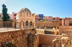 Almoravid Koubba在马拉喀什 摩洛哥 免版税库存照片