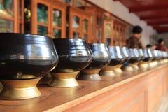 Almosenschüssel des Mönchs s Stockfotografie