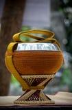 Almsbowl ha usato dai monaci buddisti per andare sul almsround Immagine Stock