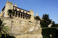 Almudaina slott i Palma de Mallorca Arkivfoto