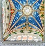 Almudena大教堂五颜六色的天花板  免版税图库摄影