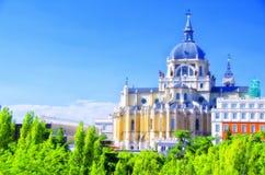Almudena大教堂在马德里, 免版税库存照片