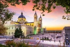 Almudena Cathedral av Madrid Arkivfoton