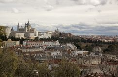 Almudena Cathedral, Royal Palace a Madrid spain Immagini Stock