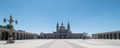 Almudena domkyrka på Madrid Royaltyfri Fotografi