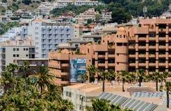 ALMUNECAR, SPAGNA - 8 giugno 2018 vista della città turistica di Almu Immagine Stock
