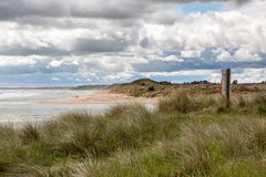 ALNMOUTH, NORTHUMBERLAND/UK - AUGUST 17 : People approaching the Stock Images