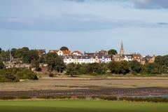 ALNMOUTH NORTHUMBERLAND/UK - AUGUSTI 18: Sikt av den Alnmouth villan Arkivbilder