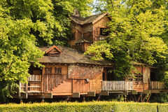 Alnwick-Garten-Baum-Haus Lizenzfreies Stockfoto