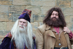 ALNWICK, NORTHUMBERLAND/UK - 19 AGOSTO: Dumbledore e Hagrid e Fotografie Stock