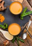 Aloe vera della bevanda e curcuma Fotografia Stock