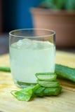 Aloe Vera stelnar nästan bruk i matmedicin och skönhetbransch Royaltyfri Foto