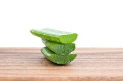 Aloe vera su legno Fotografie Stock Libere da Diritti