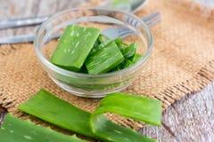 Aloevera fresh leaf on the wooden table,aloe vera on wooden tabl Royalty Free Stock Photos