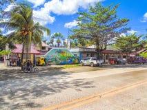 Aloha Inland Resort ao longo de Santo Tomas-Carmen Road Imagem de Stock