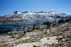 Aloha Lake in sierra Nevada Mountains Fotografia Stock