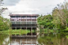 Alojamento do turista do beira-rio fotografia de stock royalty free