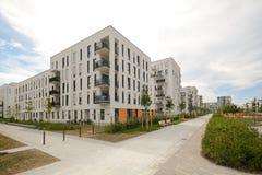 Alojamento moderno na cidade Imagem de Stock