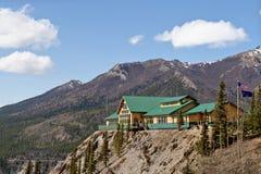 Alojamento nas montanhas imagens de stock royalty free