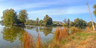 Alojamento no lago Fotos de Stock