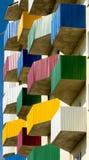 Alojamento social, alojamento urbano, balcões coloridos Fotografia de Stock Royalty Free