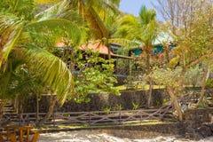 Alojamientos de la costa en el Caribe imagenes de archivo