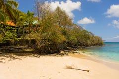 Alojamientos de la costa en el Caribe fotos de archivo