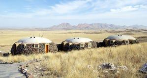 Casa de campo que hace frente al valle Fotos de archivo