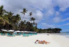 Alona海滩白色沙子 免版税库存图片