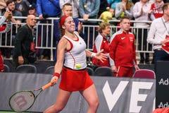 Alona Ostapenko under den första runda leken för världsgrupp II mellan laget Lettland och laget Slovakien royaltyfri fotografi