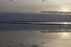 Alone di alba dalla destra sopra le montagne ed il mar Morto Fotografia Stock