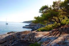 Alonissos海岸,希腊海岛 免版税图库摄影