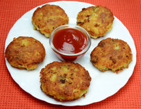 Aloo tikki chat Royalty Free Stock Images