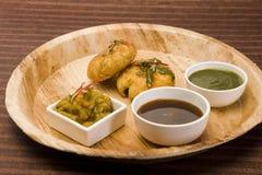 Aloo Tikki ou Fried Potato Balls ou Chaat image libre de droits