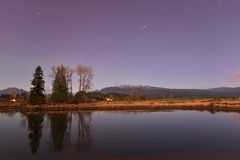 Alouette River and Golden Ears Mountain with aurora borealis Stock Images