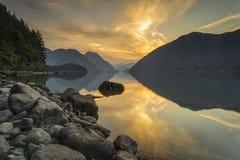 Alouette sjön, provinsiella guld- öron parkerar, lönn Ridge, Vancouv Royaltyfri Fotografi