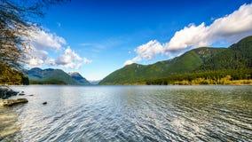 Alouettemeer in Gouden Oren Provinciaal Park royalty-vrije stock afbeeldingen