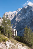 Alp góry i łatwość stary wagon kolei linowej zdjęcia stock