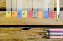Alpabet образования с ручкой цвета стоковая фотография