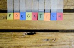 Alpabet de la educación en el modelo de madera Fotos de archivo
