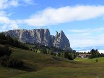 Alpe di Siusi Fjälläng panoramautsikt Sciliar Arkivfoto