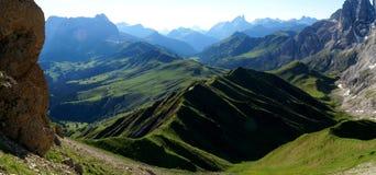 Alpe e montagne meravigliose nelle dolomia Fotografie Stock Libere da Diritti